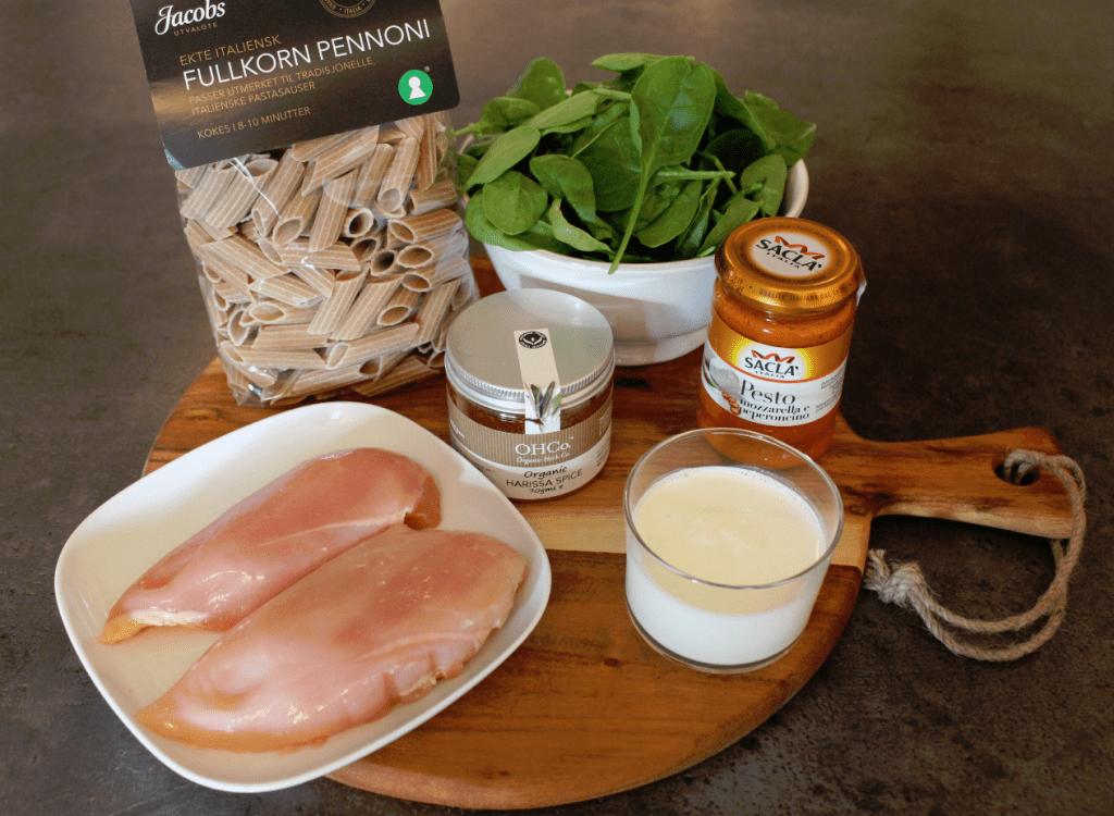 Pasta kylling pesto ingredienser