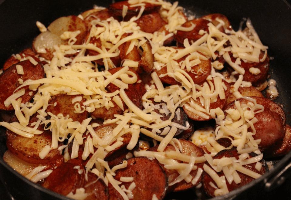 Pannestekte poteter med ost